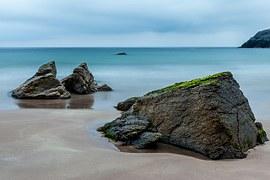 rocks-on-the-beach